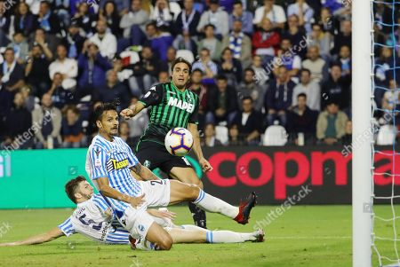 Sassuolo's Alessandro Matri (R) scores the 2-0 goal during the Italian Serie A soccer match between Spal 2013 and US Sassuolo at Paolo Mazza stadium in Ferrara, Italy, 27 September 2018.