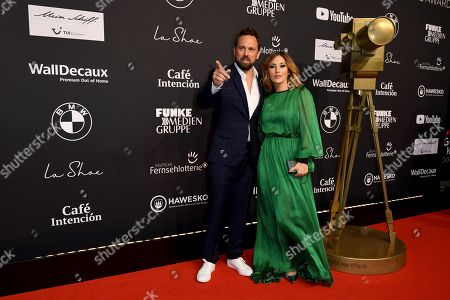 Hosts Steven Gaetjen and Jeannine Michaelsen