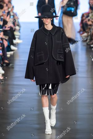 Stock Image of Sarah Menezes Potzelsberger on the catwalk