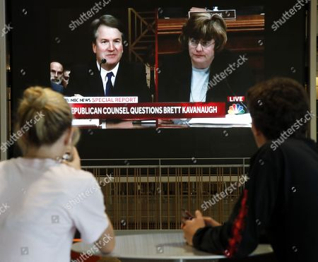 Students watch as Brett Kavanaugh is questioned by prosecutor Rachel Mitchell  at the Senate Judiciary Committee hearing on the nomination of Brett Kavanaugh to be an associate justice of the Supreme Court of the United States, at a the USC Annenberg School for Communication and Journalism, 27 September 2018. US President Donald J. Trump's nominee to be a US Supreme Court associate justice Brett Kavanaugh is in a tumultuous confirmation process as multiple women have accused Kavanaugh of sexual misconduct.
