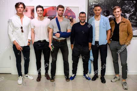 Stock Photo of Photographer Mariano Vivanco and models