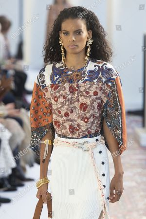 Editorial picture of Chloe show, Runway, Spring Summer 2019, Paris Fashion Week, France - 27 Sep 2018
