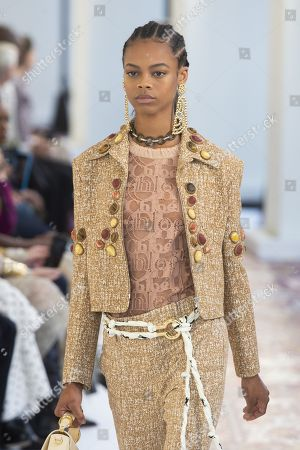 Aaliyah Hydes on the catwalk