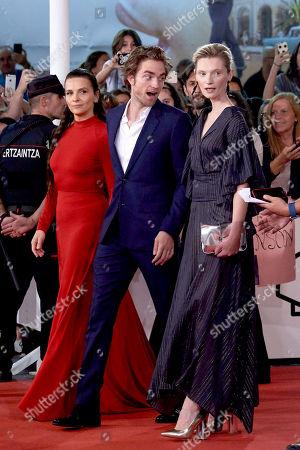 Stock Photo of Robert Pattinson, Juliette Binoche, Mia Goth, Agata Buzek