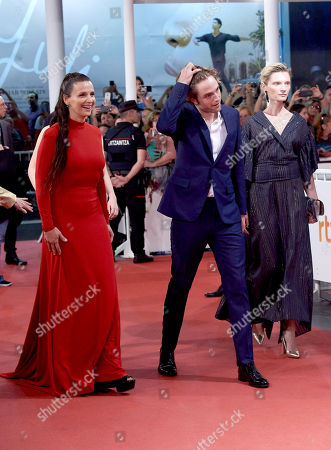 Stock Image of Robert Pattinson, Juliette Binoche, Mia Goth, Agata Buzek
