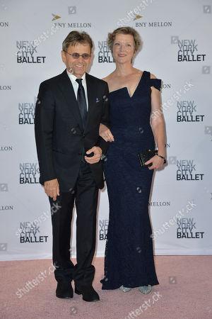 Mikhail Baryshnikov and Lisa Rinehart