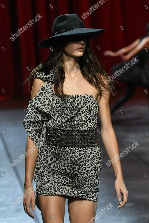 Stock Photo of Justine Asset on the catwalk