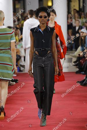 Stock Photo of Aurelie Giraud on the catwalk