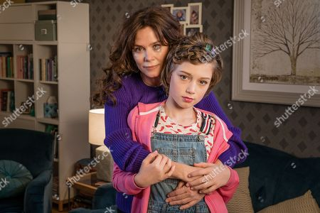 Anna Friel as Vicky and Callum Booth-Ford as Maxine.