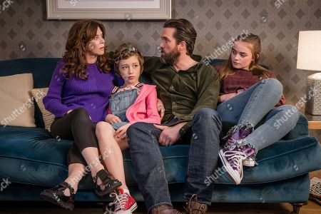 (L-R) Anna Friel as Vicky, Callum Booth-Ford as Maxine, Emmett J Scanlan as Stephen and Millie Gibson as Lily.