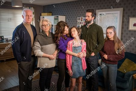 Stock Photo of (L-R) Sean McGinley as Peter, Alison Steadman as Barbara, Anna Friel as Vicky, Callum Booth-Ford as Maxine, Emmett J Scanlan as Stephen and Millie Gibson as Lily.