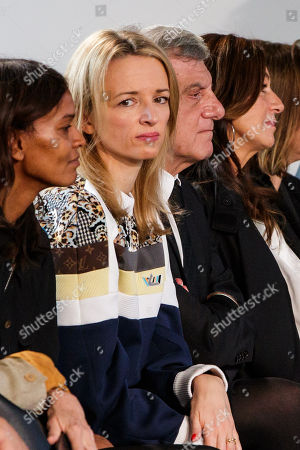 Director and executive Vice President of Louis Vuitton Delphine Arnault (C) attends the presentation of the Spring/Summer 2019 Women's collection by Spanish fashion house Loewe during the Paris Fashion Week, in Paris, France, 28 September 2018. The presentation of the Women's collections runs from 24 September to 02 October.