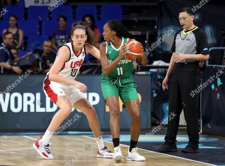 US National Women's basketball team player Breanna Stewart (L) fights for the ball with Nigerian Adaora Elonu during their 2018 FIBA Women's Basketball World Cup quarter finals match in Tenerife, Canary Islands, Spain, 28 September 2018.