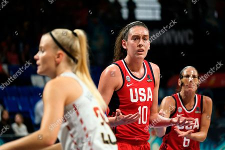 Breanna Stewart of the United States team protests to the referee during the Women's basketball World Cup semi final match between Belgium and the U.S.A. in Tenerife, Spain
