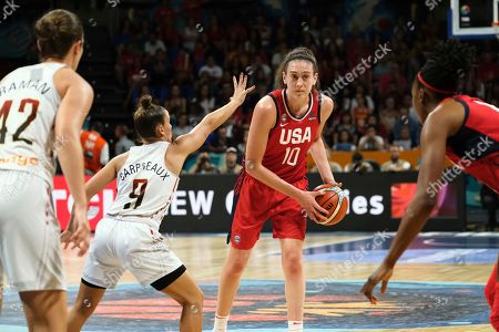 Breanna Stewart of the United States drives the ball against Marjorie Carpréauxa of the Belgian during the Women's basketball World Cup semi final match between Belgium and the U.S.A. in Tenerife, Spain