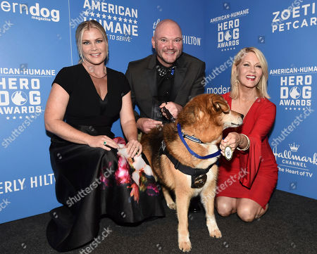 Alison Sweeney, Barbara Niven, Jason Johnson, K-9 Flash. Alison Sweeney, left, and Barbara Niven, right, pose with Jason Johnson and K-9 Flash, winner of the award for law enforcement/arson dog of the year, at the 2018 American Humane Hero Dog Awards at The Beverly Hilton, in Beverly Hills, Calif