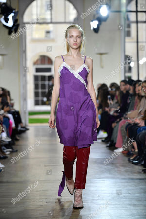 A model presents a creation from the Women Spring/Summer 2019 collection by French designer Sophie Mechaly for Paul and Joe fashion house during the Paris Fashion Week, in Paris, France, 30 September 2018. The presentation of the Women's collections runs from 24 September to 02 October.