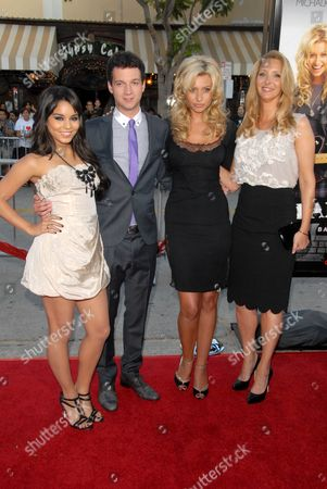 Stock Picture of Vanessa Hudgens, Gaelan Connell, Aly Michalka, Lisa Kudrow