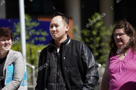 Paul Lee (C), partner of Huyen Tran, leaves the Federal Court in Melbourne, Australia, 01 October 2018. Vietnamese Catholic asylum seeker Huyen Tran faces possible deportation and separation from her family.