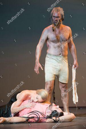 David Soar as Jokanaan, Allison Cook as Salome, Stuart Jackson as Narraboth