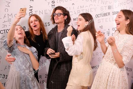 Stella McCartney, William Peltz, Danielle Haim, Alana Haim and Este Haim