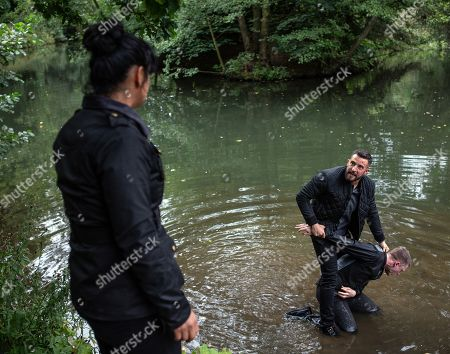 Ep 8282 Wednesday 10th October 2018 Ross Barton, as played by Michael Parr, and Simon, as played by Liam Ainsworth, are finally alone and facing up to one another. Ross is about to attack him when Moira Dingle, as played by Natalie J Robb, arrives Ross however is undeterred and drags Simon to the edge of the lake. How will this end and will Ross get the truth he deserves from Simon?