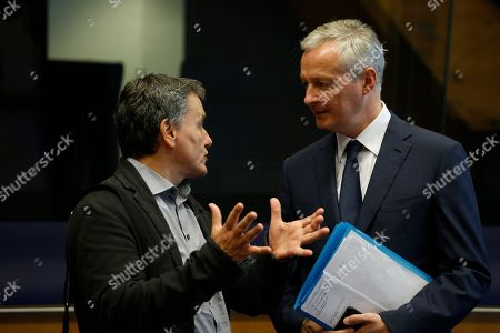 Greek Finance Minister Euclid Tsakalotos (L) and French Economy Minister Bruno Le Maire (R) at the start of the Eurogroup meeting in Luxembourg, 01 October 2018. The Eurogroup is holding its thematic discussions on jobs and growth and will focus on national automatic stabilisers. Ministers will discuss the reform of the European Stability Mechanism (ESM).