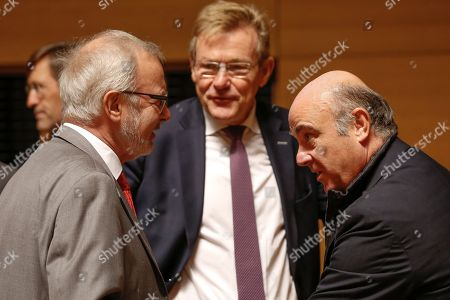 (L-R) European Investment Bank (EIB) President, German, Werner Hoyer, Belgian Finance Minister Johan Van Overtveldt  and Luis De Guindos, Vice President of the European Central Bank (ECB) at the start of the Ecofin finance Ministers meeting in Luxembourg, 02 October 2018. Ministers will hear a presentation by the Commission of its proposal to further strengthen the supervision of EU financial institutions as regards money-laundering and terrorist financing threats.