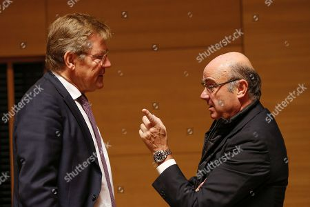 Belgian Finance Minister Johan Van Overtveldt (L) and Luis De Guindos, Vice President of the European Central Bank (ECB) (R) at the start of the Ecofin finance Ministers meeting in Luxembourg, 02 October 2018. Ministers will hear a presentation by the Commission of its proposal to further strengthen the supervision of EU financial institutions as regards money-laundering and terrorist financing threats.