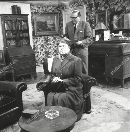 Violet Carson (as Ena Sharples) and Robert Dorning (as Mr Wormold)