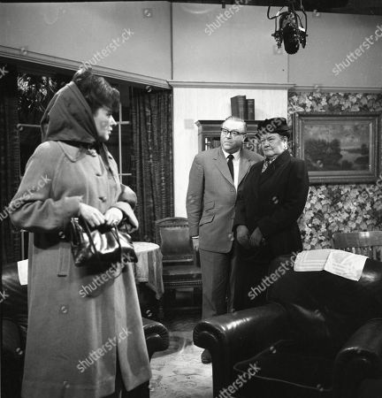 Pat Phoenix (as Elsie Tanner), Robert Dorning (as Mr Wormold) and Violet Carson (as Ena Sharples)