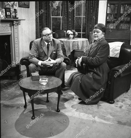 Robert Dorning (as Mr Wormold) and Violet Carson (as Ena Sharples)