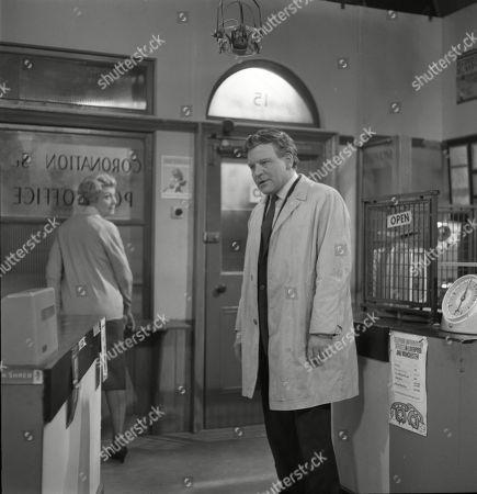 Betty Alberge (as Florrie Lindley) and Glyn Owen (as Norman Lindley)