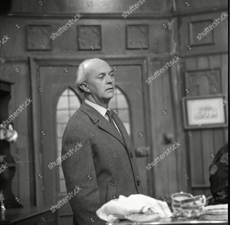 George A. Cooper (as Willie Piggott)
