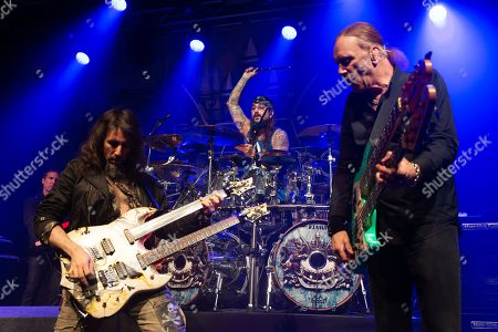 "Sons of Apollo - Ron ""Bumblefoot"" Thal, Mike Portnoy, Billy Sheehan"