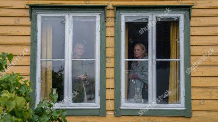 Ingunn Beate Oyen as Runa, Laura Birn as Elena