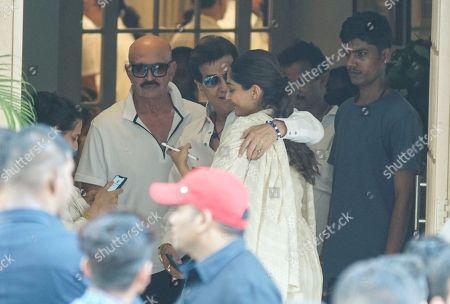 Bollywood actors Rakesh Roushan, Jitendra and Sonam Kapoor during Krishna Raj Kapoor funeral at Chembur