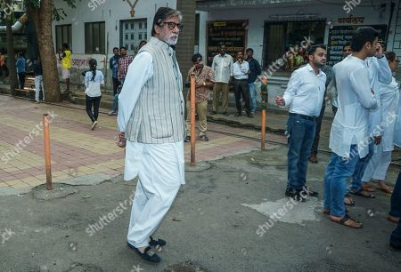 Stock Photo of Bollywood actor Amitabh Bachchan during Krishna Raj Kapoor funeral at Chembur