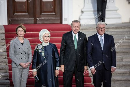 Federal President Frank-Walter Steinmeier and his wife welcome Turkish President Recep Tayyip Erdogan and his wife Emine Gulbaran