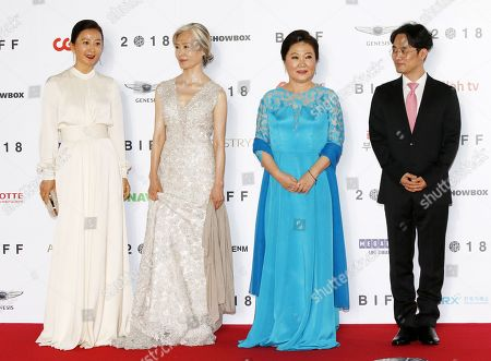 (L-R) South Korean actresses Kim Hee-ae, Ye Soo-jung, Kim Hea-sook and South Korean director Min Kyu-dong arrive for the opening ceremony of the 23rd Busan International Film Festival (BIFF), in Busan, South Korea, 04 October 2018. The BIFF will screen 323 movies from 79 countries and runs from 04 to 13 October.