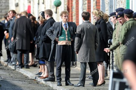 Foto stock (esclusive) a tema The Crown on set filming Wales