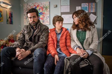 Emmett J Scanlan as Stephen, Callum Booth-Ford as Maxine and Anna Friel as Vicky.