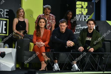 Stock Picture of Minka Kelly, Alan Ritchson, Ryan Potter, Teagan Croft, Brenton Thwaites, Anna Diop