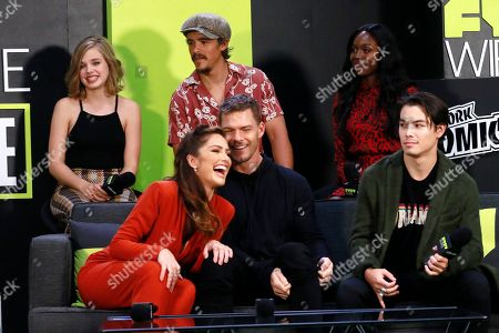 Teagan Croft, Minka Kelly, Brenton Thwaites, Alan Ritchson, Anna Diop and Ryan Potter