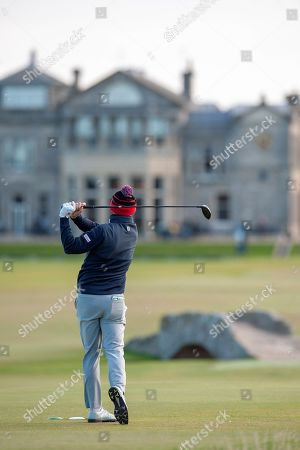 Stephen Gallacher plays his tee shot on the 18th during the Alfred Dunhill Links Championships 2018 at St Andrews, West Sands