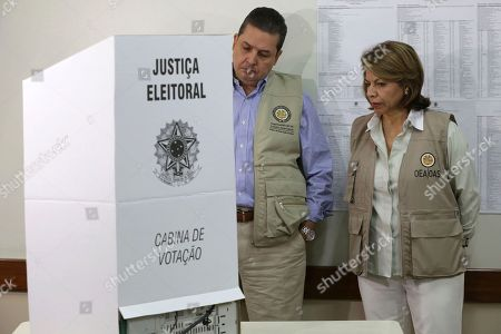 Laura Chinchilla, Francisco Guerrero. Head of the OAS Electoral Observation Mission and Former President of Costa Rica, Laura Chinchilla, accompanied by the observer Gerardo de Icaza, visit a polling station in Brasilia, Brazil, . In addition to voting for president, Brazilians are also deciding congressional races and electing state governors