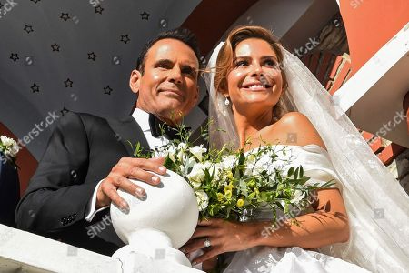 Maria Menounos with her husband Keven Undergaro on the steps of the church