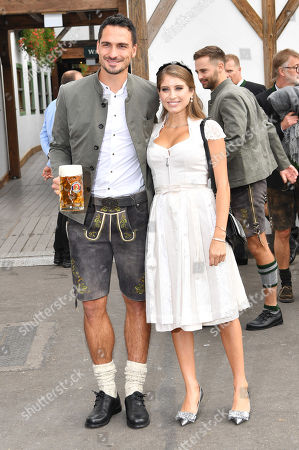 Stock Image of Mats Julian Hummels, wife Catherine Cathy Fischer-Hummels