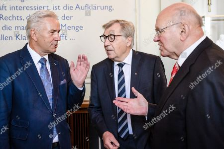 Former Berlin Governing Mayor Klaus Wowereit (L) talks to former Berlin Governing Mayors Eberhard Diepgen (C) and Walter Momper (R), during a lunch on the occasion of his 65th birthday at the Berlin town hall 'Rotes Rathaus' in Berlin, Germany, 08 October 2018. Wowereit turned 65 on 01 October 2018. Berlin Governing Mayor Michael Mueller arranged a lunch on this occasion.