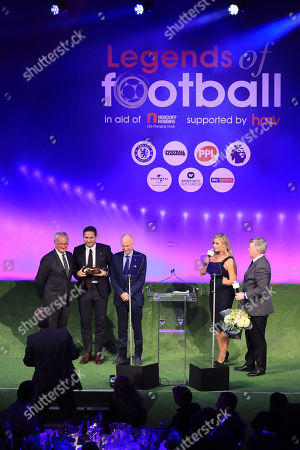 Claudio Ranieri and Sven-Goran Eriksson present award to Frank Lampard 2018 Legends of Football Award Winner. Hosts Hayley McQueen and Geoff Shreeves look on, Great Room, Grosvenor House, London
